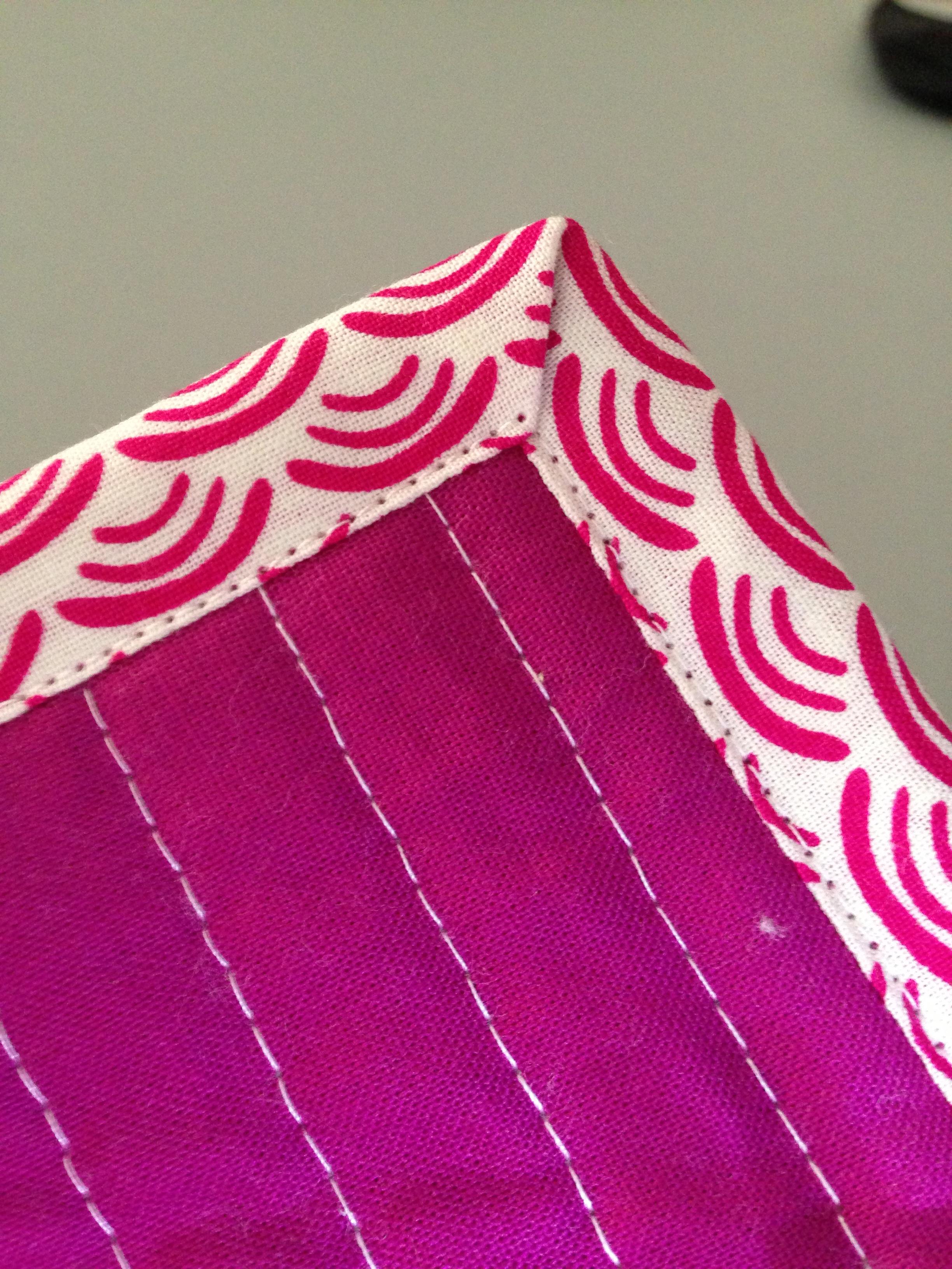 Quilting 101: Machine Binding | Wasn't Quilt in a Day : how to machine bind a quilt - Adamdwight.com